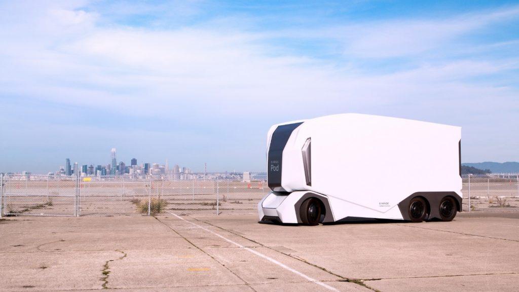Ein Bild, das draußen, sitzend, geparkt, Ebene enthält.  Automatisch generierte Beschreibung